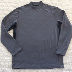 UNDER ARMOUR coldgear gray colored sweatshirt